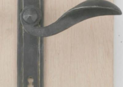 Türdrückergarnitur in Messing/verzinnt, Türblatt: Klee, Nr. 200101