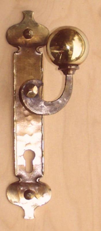 Türgriff aus Bronze geschmiedet mit Türblatt: Herzblatt, Nr. 200200