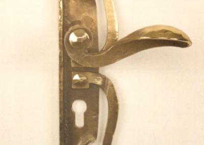 Türgriff aus Bronze geschmiedet mit aufwendigem Türblatt, Nr. 200400