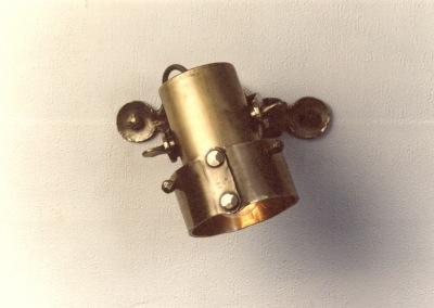 Strahler, Messing Spot geschmiedet,PANEELE - Strahler,dreh-u.schwenkbar,1-flg.H:160,Dm110mm,Ms, Nr. 84230