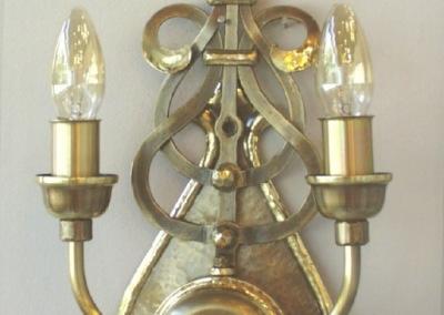 geschmiedete Wandlampe ZÜRICH  2-flammig  in Schmiedebronze, H:400mm, B:220 mm, Nr. 84883