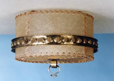 geschmiedete Deckenleuchte, in Messing, handgefertigte,exclusive Deckenlampe mit Pergament und Messing,Schirm mit echtem Transparentleder, genäht mit Leder- oder Hautstreifen, Nr. 85203, 85204, 85205