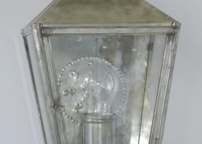 handgefertigte Wandlaterne Eisenstadt in Weißblech, H: 32 cm, B:22 cm, Nr. 90251