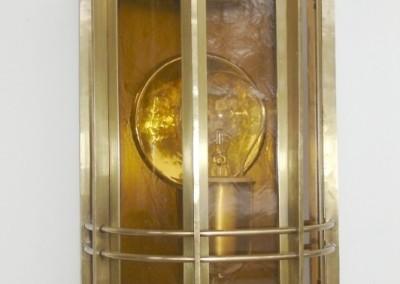 geschmiedete Messing Wandlaterne, Arosa 1-flg.  in Messing, Abschluß: Kugel,H: 57cm, B.22cm, Nr. 90361