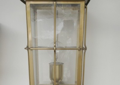 Messing Laterne, handgefertigte, geschmiedete  Wandlaterne Weiz in Messing, mit Wandarm GH: 64 cm, B:22 cm, Nr. 90520
