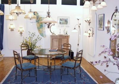 aufwendig, geschmiedeter Tisch aus Messing - dazupassende geschmiedete Stühle