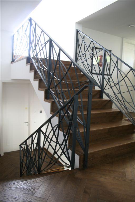gel nder und treppen innenbereich modern bruckner metall. Black Bedroom Furniture Sets. Home Design Ideas