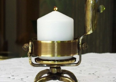 handgeschmiedeter Kerzenleuchter in Messing