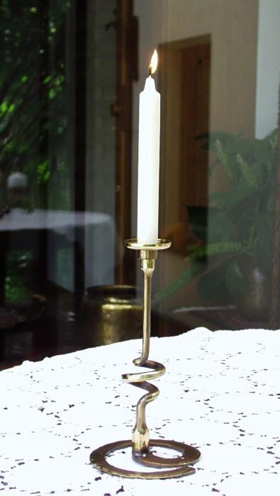 geschmiedeter Kerzenständer in Messing - 1-flg.