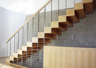 Stiegenkonstruktion Edeltahl/Holz