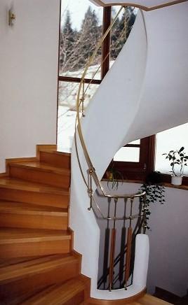Stiegengelaender-Bronze-Holz