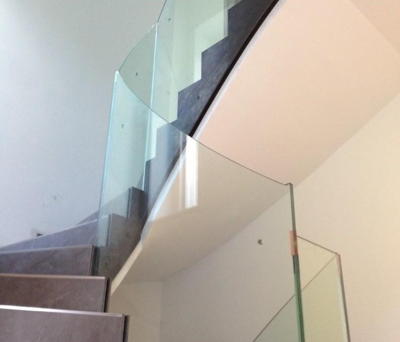 Stiegengeländer Glas/Eisen roh