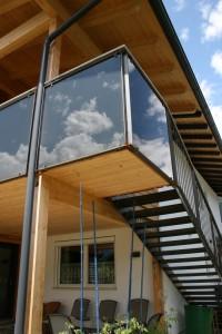 Stahl Stiege, Eisen, Glas Gelände, Oberfläche: roh