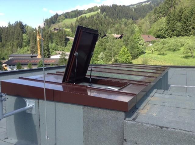 Dachfensterkonstruktion – wärmegedämmten Aluprofilen